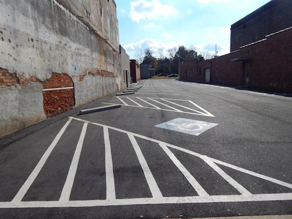 Bar Figaro Parking Lot